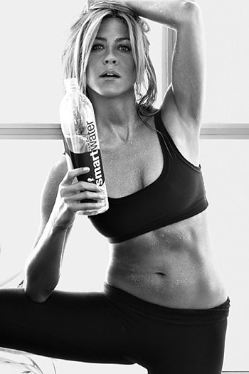 Jennifer Aniston appears in new SmartWater ads