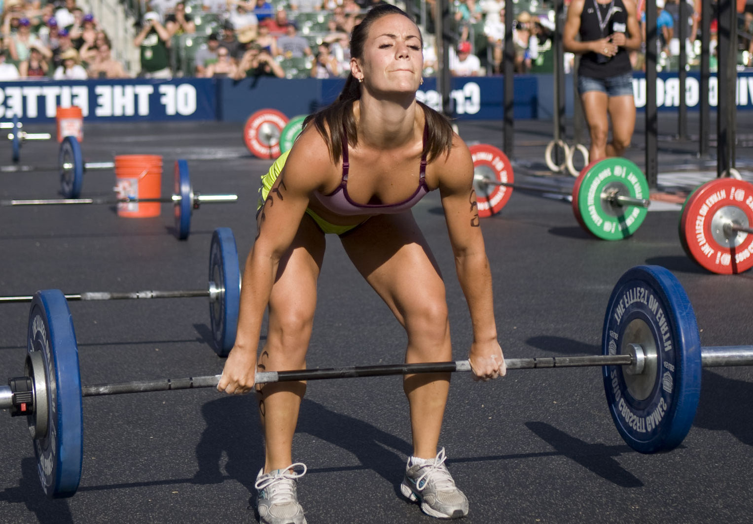 crossfit-girl-deadlift-popka